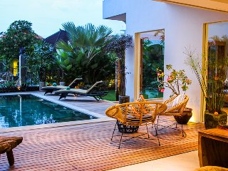 Tropical Villa, *300 metres from beach*, heart of Canggu