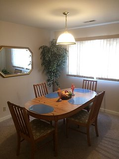 Knolls 623 Dining Room