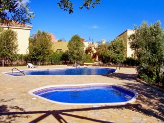 Beautiful villa in Almeria with 3 bedrooms, garden and shared pool, Las Cunas