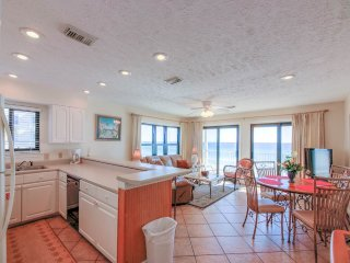 Crystal Villas Condominium B06, Destin