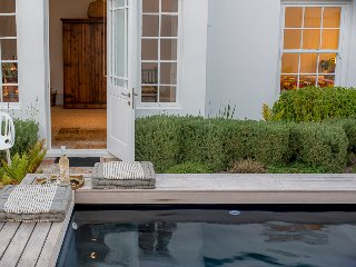 The Vishuis Guest House - Cottage 3, Hermanus