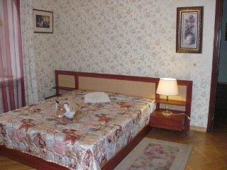 CR100aRiga - Rosebud room at Sunny Splendid Villa