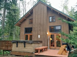 CR104MapleFalls - 44MBR Mt. Baker Rim Cabin #44 - A COZY RUSTIC CABIN WITH MODER
