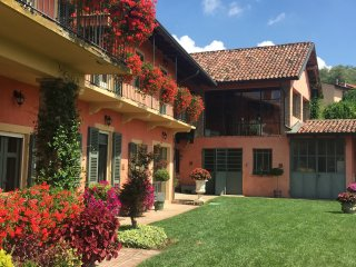 Monferrato farmhouse with salt water pool