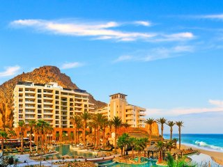Cabo San Lucas. Stunning Location. With Spa, Restaurants & Much More!