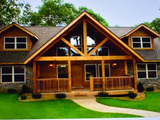 The Lodges of Beautiful Table Rock Lake in Branson, MO / Walk to SDC from Cabin!
