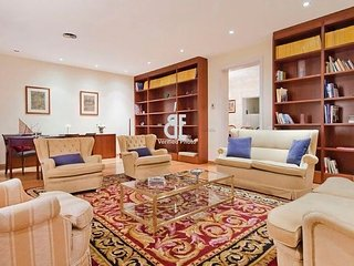 BCN Rambla Catalunya - Luxurious and marvelous apartment with 5 bedrooms and 4