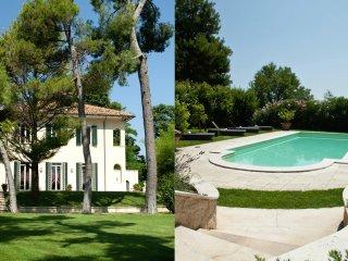 Villa con piscina e giardino bioenergetico a 3 km dal mare e dal centro di Fano
