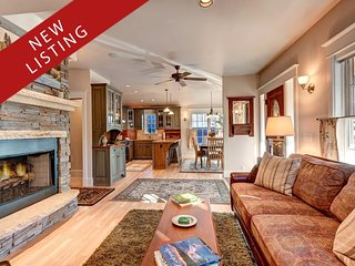 Beauty, Luxury, Style, Comfort, and Location - the Vacation Home of Your Dreams, Breckenridge