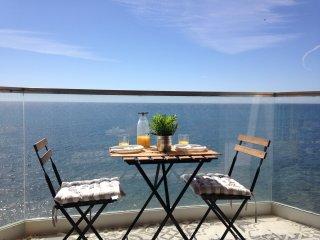 Apartamento cerca de Marbella, vistas al mar, con piscinas y barbacoa