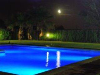 La Casa del Riu Vell. Fantastica casa con piscina y jardin de 4.000m2