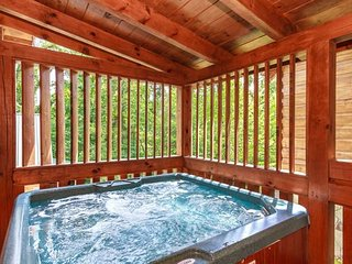 Lover's Loft - Perfect for couples! Close to Downtown and the GSMNP