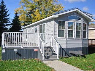 2 Bedroom Cottage in Sherkston Shores Resort