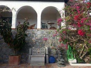 Cortijo Almanzor, casa tradicional en Almunecar