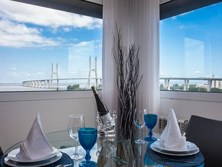 APT IN LISBON RIO- Parque das Nacoes, 2 Bedroom Apartment River View