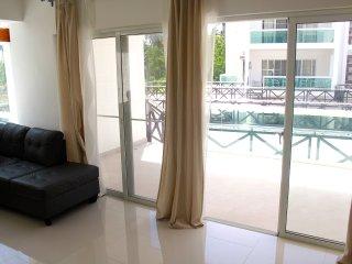 Apartamento con Terraza y Piscina - 2 Personas