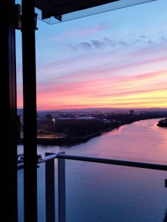 Spectacular view of river and city from the kitchen. Watch amazing sunsets.