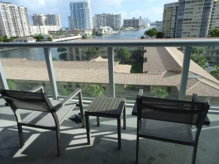 Close Sunny Isles BW 707A, Hab Deluxe Cama King, Hallandale Beach