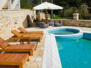 Brand New villa next to a picturesque Corfiot village !, Roda