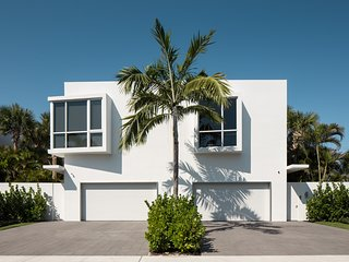 Delray Modern Beach Oasis in the Heart of Downtown