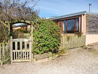 NUTHATCH, pet friendly, country holiday cottage, with open fire in High Head, Ivegill