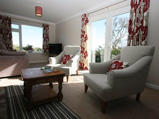 Triple aspect living room