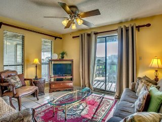 Gulf Shores 2BR/2BA Partial Ocean and Lagoon Views Sleeps 8
