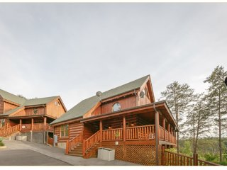 Spring BOGO 4 night Min April & May!! Mountain Dream 2Bds / 2Ba, Sevierville