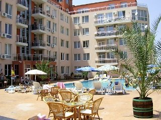 The Cwtch at Balkan Breeze Ground Floor with direct Pool access, Sunny Beach