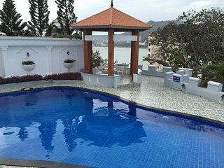 10 bedrooms Villa have pool. seaview and full service Villa, cooking, karaoke, Vung Tau
