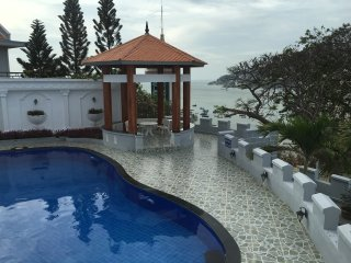 10 Bedrooms Villa have pool and back beach full services, Vung Tau