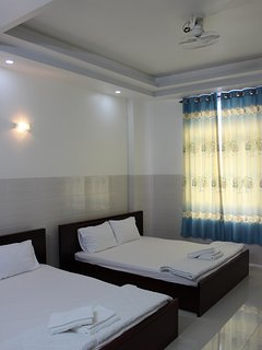 Single room  as hight-cushion , bed maked by hight-wood , have an air-conditioned and refrigerator