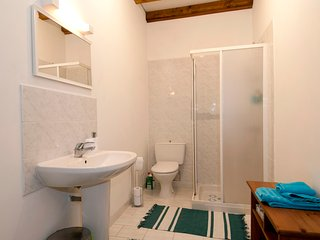 The Bridge Room en suite. Cubicle shower. Heated towel rail. Shaver point.