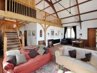 NEW! Ebenezer Chapel, Magnificent Converted Chapel nr Bath (EC), Box