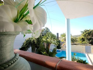 VILLA DESSENA very nice apartment with pool at 800m away from beaches, Sos Alinos