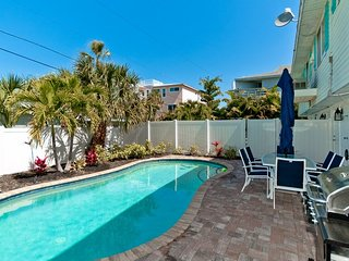 Gone Coastal Too: Beautiful Family & Pet-Friendly Private Home with Heated Pool!