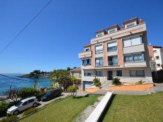 Apartamentos para vacaciones con vistas al mar a 100 m. de la playa de Canelinas
