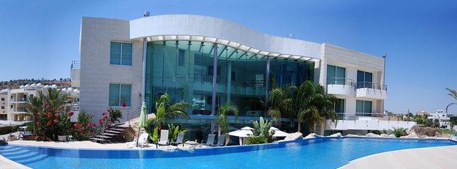 Room in Luxury Villa