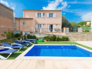 ES MORUL - town house in Lloseta with private pool for 4 people