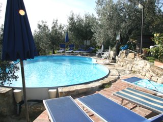House with 2 rooms in Calenzano, with pool access, furnished terrace and WiFi
