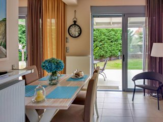Elegant new maisonette near the sea, Perdika