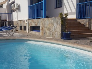 Villa in city center with private pool & wifi (10p.), Corralejo
