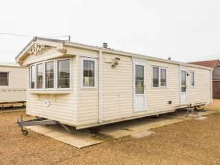 Ref 13001 Lees Holiday Park in Hunstanton by the beach 6 berth - Dog friendly