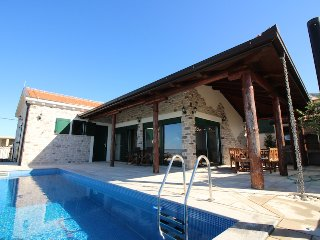 VILLA SELLISTA, SPECTACULAR SEA VIEW, PRIVATE POOL