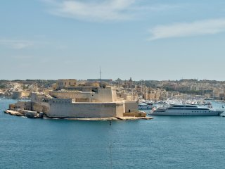 Impressive Valletta Harbor Views 2-bedroom Apt