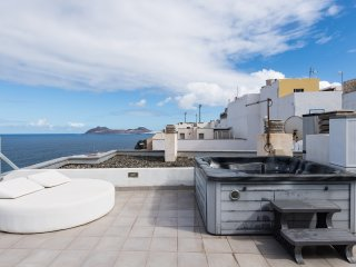 Bonito apartamento con vistas al mar y jacuzzi