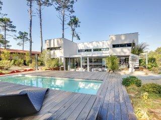 Superbe maison d'architecte dans la pinède au Cap, Claouey