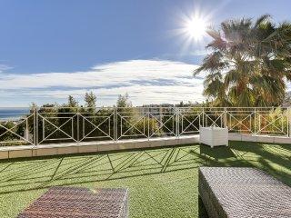 Belle villa avec piscine au calme à Nice, vue mer, St-Laurent du Var