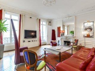 Bel appartement parisien dans le 16eme