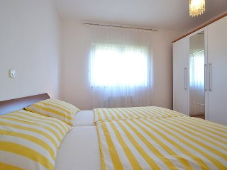 Apartments Denis - Comfort One Bedroom Apartment with Balcony and Sea View